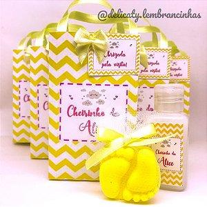 Lembrancinhas Maternidade - Sacolinha Personalizada com laço e tag com Hidratante e Sachê perfumado
