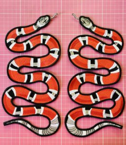 PATCH BORDADO COBRA CORAL SNAKE INSPIRED TERMOCOLANTE