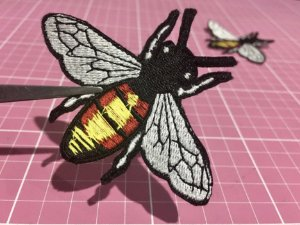 PATCH BORDADO ABELHA BEE INSPIRED TERMOCOLANTE