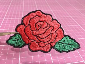 PATCH BORDADO ROSA2 FLORAL TERMOCOLANTE