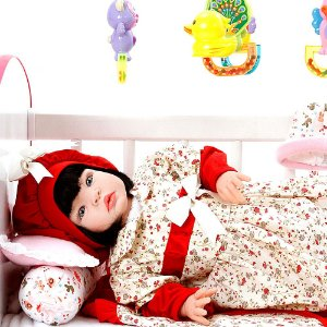 Boneca Bebe Reborn Maitê Vermelho Cegonha Reborn Dolls Com 22 Acessórios 53cm