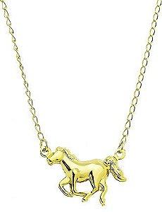 Gargantilha folheada a ouro com pingente em forma de cavalo (linha country)