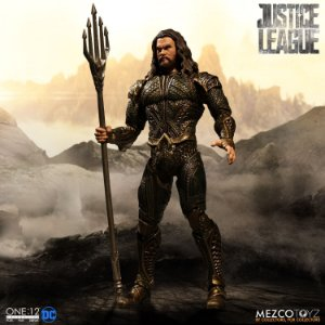 Mezco One:12 JLA Movie Aquaman