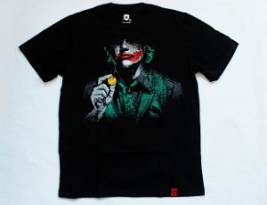 Camiseta com Estampa Coringa - Why So Serious?
