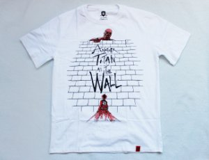 Camiseta Another Titan at the Wall