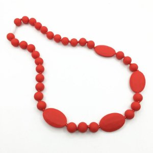 Colar mordedor em silicone red oval