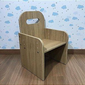Cadeira kids com regulagem de altura cor itapuã - de 3 a 10 anos de idade.