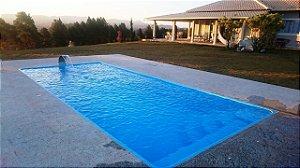 Piscina de Fibra Domingo Azul - 7,30 m x 3,30 m x 1,40 m - 30.000 litros - Diazul Piscinas