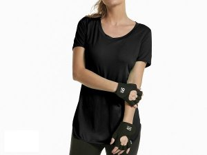 T-SHIRT AG SKIN FIT ALONGADA PRETO TAM M