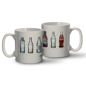 Caneca Porcelana Coca-Cola Bottles Evolution Branca 320ml