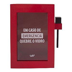 Cofre Divertido de Madeira com Martelo Emergência