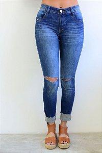 Calça Jeans Skinny detalhe cadarço