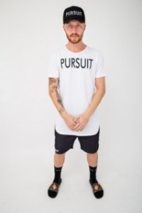 Camiseta Pursuit Logo Branca