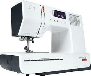 Máquina de Costura Bernina Bernette B38 Patchwork e Quilting 394 Pontos