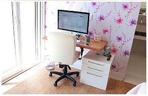 Tampo em madeira para escrivaninha com suportes invisiveis