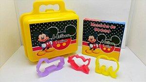 Maletinha + Massinha de modelar + 3 cortadores Tema Mickey