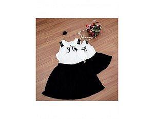 Conjunto Saia Plissada Preta e Blusinha Branca com Renda - Mãe e Filha