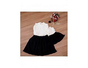 Conjunto Saia Plissada Preta e Blusinha Branca - Mãe e Filha