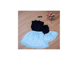 Conjunto Saia Plissada Azul e Blusinha Preta - Mãe e Filha