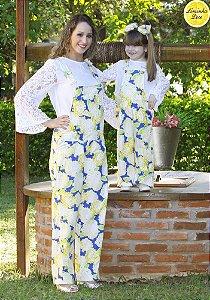 Conjunto Blusinha Branca e Macacão Floral - Tal Mãe Tal Filha