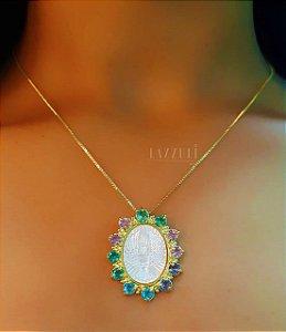 Colar Mandala Oval Espírito Santo com Zircônia Colorida e Madrepérola Banhado em Ouro18k