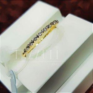 Anel Meia Aliança com Micro Zircônias Cristal Banhado em Ouro18k