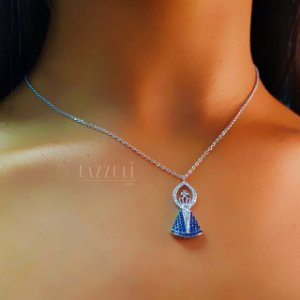 Colar Cartier com Pingente Nossa Senhora Micro Zircônias Azul em Prata 925
