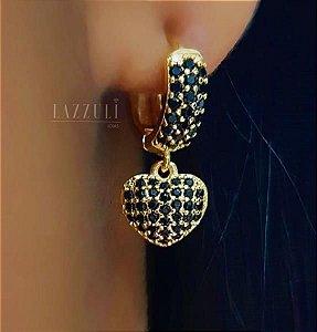 Brinco Argola com Pêndulo de Coração Micro Zircônia Negra Banhado em Ouro18k