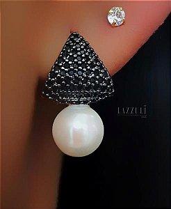 Brinco Triângulo Luxury com Micro Zircônia Negra com Pingente Pérola Banhado em Ouro18k
