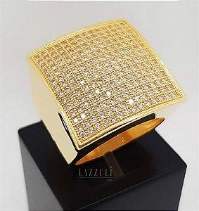 Anel Robusto Quadrado com Micro Zircônias Banhado em Ouro18k (SKU: 00010454)