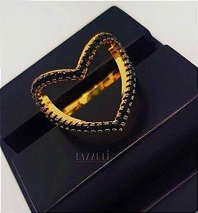 Anel Coração com Micro Zircônias Negras Vazado Banhado em Ouro18k (SKU: 00010593)