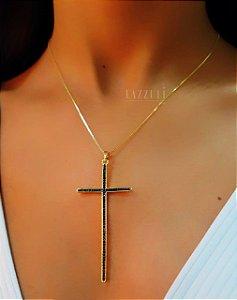 Colar Cruz 7cm com Micro Zircônias Negras Banhado em Ouro18k