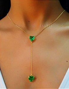 Colar Gravatinha Coração Zircônia Verde Banhado em Ouro18k