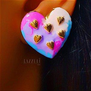 Brinco Big Coração Resinada Tie Dye Banhado em Ouro18k