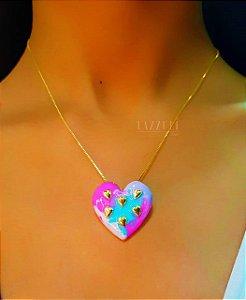 Colar Big Coração Resinada Tie Dye Banhado em Ouro18k