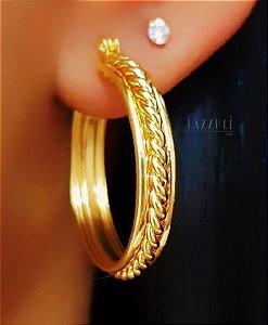 Brinco Argola 2.5 cm Trançada Lisa Banhado em Ouro18k