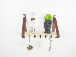Porta chaves escandinavo pinus com couro marrom