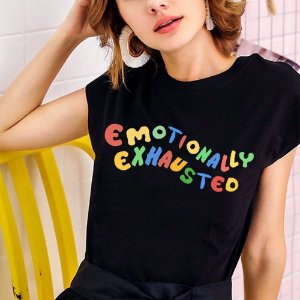 Camiseta EMOTIONALLY EXHAUSTED em Duas Cores