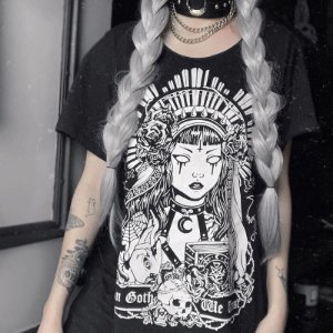 Camiseta Gótica Longline IN GOTH WE TRUST