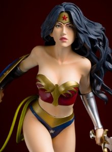 Wonder Woman Fantasy Figure Gallery - EE Exclusive Statue