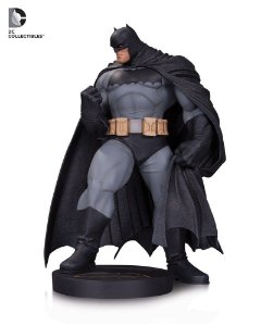 DC Designer Series: Batman Mini Statue (Andy Kubert)