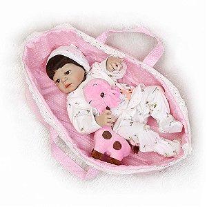 Bebê Reborn Resembling Êmily com cesto de dormir e carregar