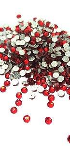 Chaton redondo vermelho 4mm - 30 unidades
