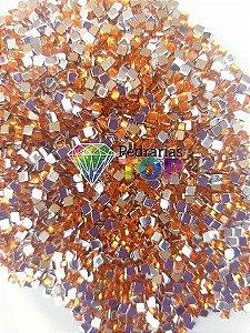 Quadradinho laranjado 3mm - Aprox. 100 pçs