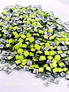 Chapinha quadrada verde 3mm - Aprox 100 pçs