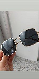 Quadrado cristal preto com dourado premium