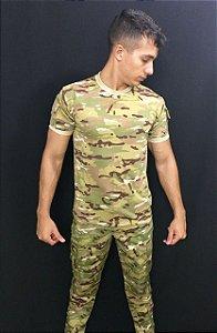 Camiseta multicam com bolso