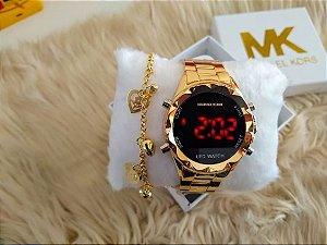 Kit com 5 Relógios Femininos Digitais Mk + Pulseiras folheadas