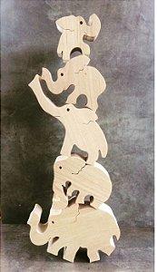 Jogo de equilibrio recortado à mão em pau marfim