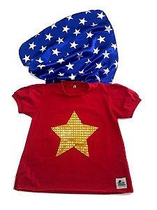 Camiseta com Capa Mulher Maravilha